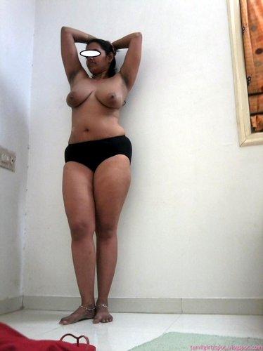 desi horny sexy bhabhi milky breasts show
