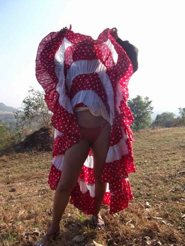 Beautiful Newly Married Desi girl Honeymoon naked outdoor Photos - Sexy Girls Pictures. Big Boobs and sexy naked ass pussy photos showing sexy Indian new wedding girls celebrate her Honeymoon days outdoors with her husband, Sexy girls removing her red dress and expose her red bra and panty in the car Nude Photos Collection.