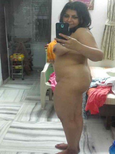 Collection of chubby Indian nude girls self shot gallery this is Indian aunties and girls nude photo collection.